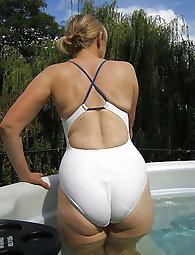 Mature Swimsuit 001