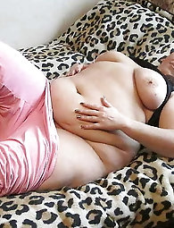 Curvy older whore is masturbating