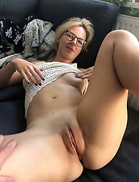 Aged momma is giving blowjob